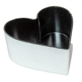 Szív alakú műanyag tál fehér 15x16x7cm