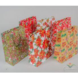Karácsonyi mintás ajándéktasak 18x23cm