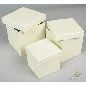 Papír doboz kocka vanília pöttyös 16,14,12cm 3db-os