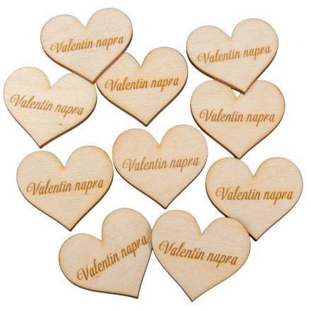 "Natúr fa szív ""Valentin napra"" felirattal 4cm 10db-os"