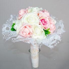 Ballagási csokor polifoam virágos, csipkés M28cm