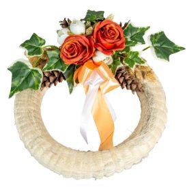Szizálos szalma koszorú selyemvirág és szárazvirág díszítéssel 35 cm